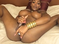 Chocolate Natalia pleasures and sucks